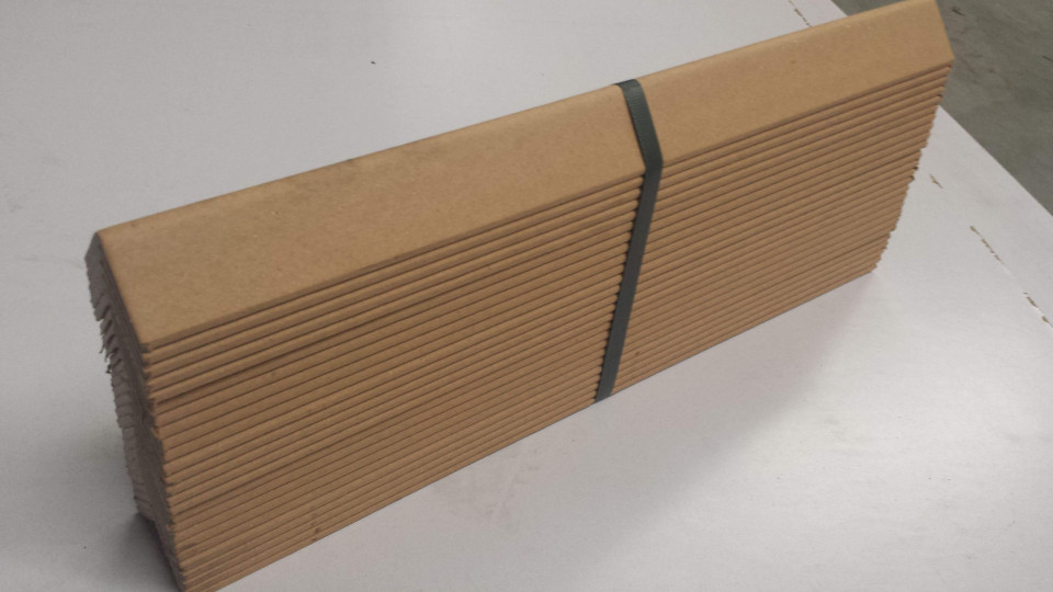 Corniere din carton presat